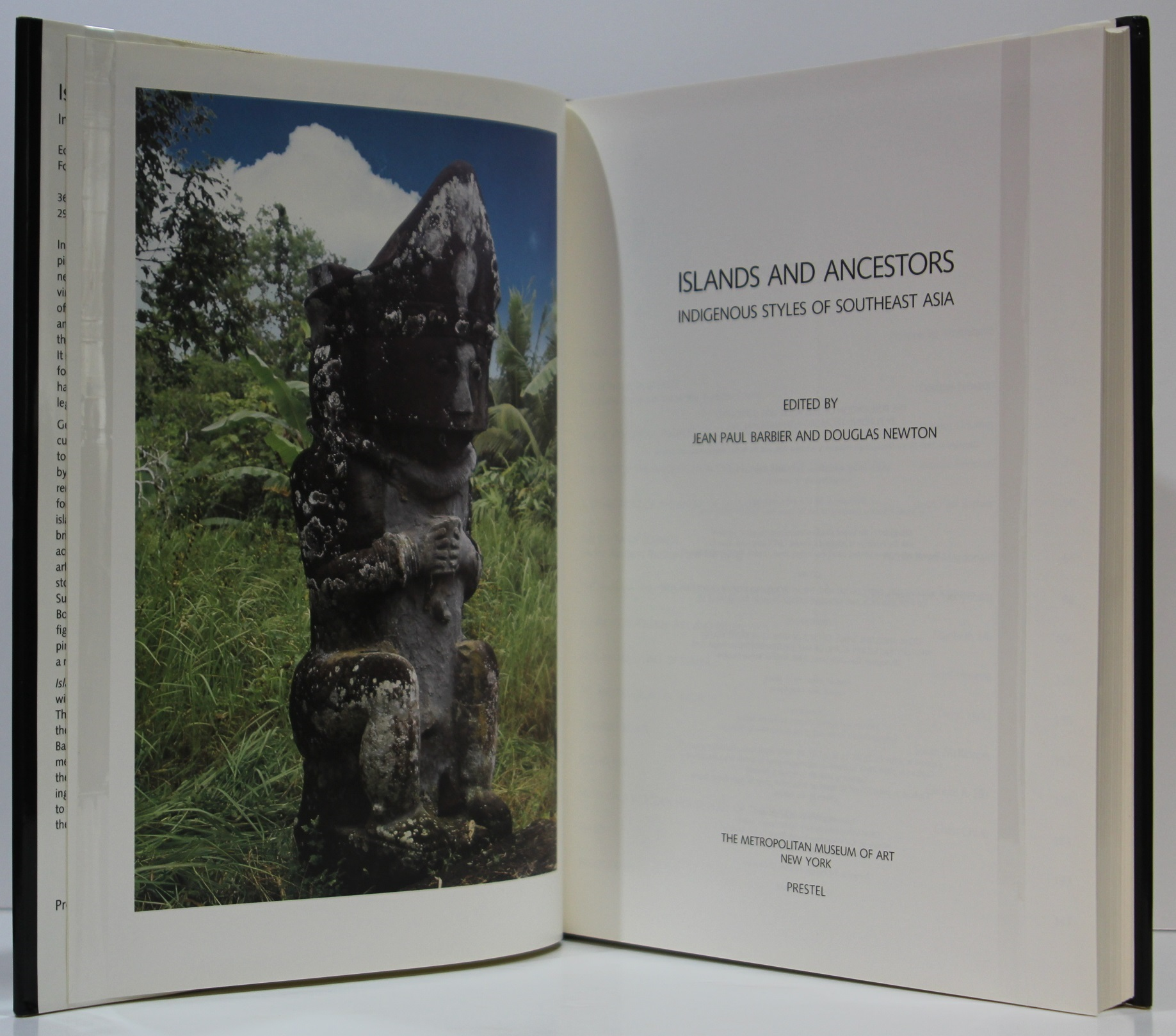 Islands and Ancestors. Indigenous Styles of Southeast Asia. Page titre.
