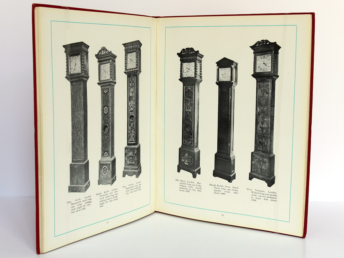 The Wetherfield Collection of 222 Clocks sold by W. E. Hurcomb on 1st May 1928. Deuxième édition, Hurcomb, 1929. Pages intérieures 1.