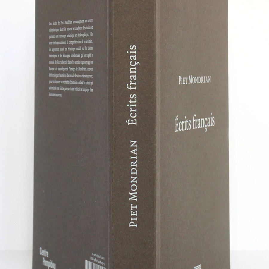 Écrits français, Piet Mondrian. Éditions du Centre Pompidou 2010. Couverture : dos et plats.