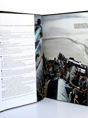 Le village du Mont-Saint-Michel, Daniel Leloup. Chasse-Marée 2004. Pages intérieures 1.