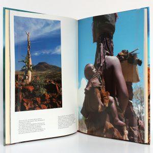 Himbas Tribu de Namibie Sylvie BERGEROT, Éric ROBERT. Denoël 1989. Pages intérieures 1.