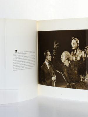 Metropolis Un film de Fritz Lang. Images d'un tournage. La Cinémathèque française, 1985. Pages intérieures. zookasbooks.