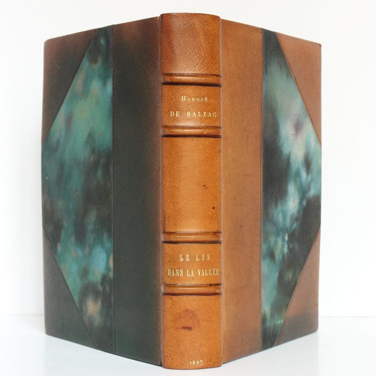 Le Lys dans la vallée, Balzac. Piazza Éditeur / Le Livre français, 1927. Reliure : dos et plats.