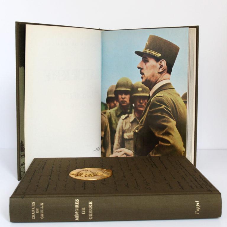 Mémoires de guerre, Charles de Gaulle. Librairie Plon, 1963. 3 tomes. Pages intérieures 3.