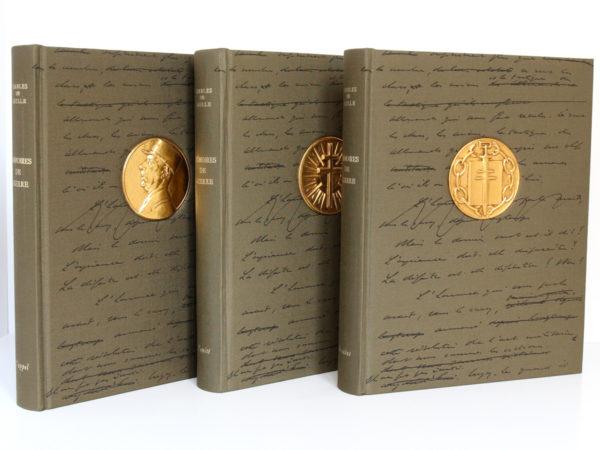 Mémoires de guerre, Charles de Gaulle. Librairie Plon, 1963. 3 tomes. Reliures : premiers plats.