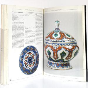 Soliman le Magnifique. Catalogue de l'exposition du Grand Palais, à Paris, en 1990. Pages intérieures.