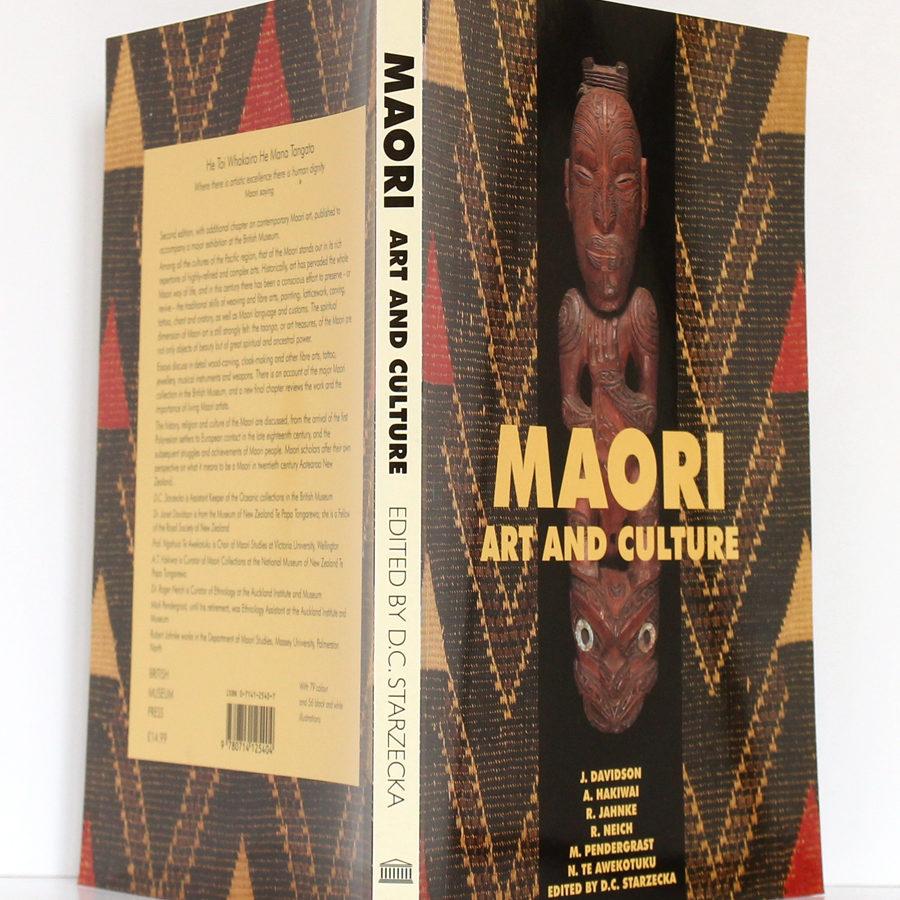 Maori Art and Culture. British Museum Press, 1998. Couverture : dos et plats.