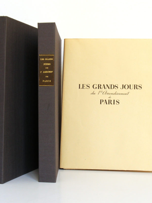 Les grands Jours du 1er arrondissement de Paris. Comité de Libération du 1er arrondissement. Sans date [1945] . Livre, chemise et étui 2.