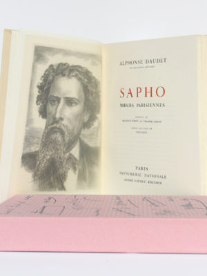 Sapho Mœurs parisiennes, Alphonse DAUDET. Burin de DECARIS. Imprimerie Nationale, André Sauret Éditeur, 1957. Frontispice et page-titre, étui.