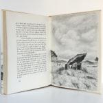 Vendée confidentielle, Louis CHAIGNE. ILlustrations de Aymar de LÉZARDIÈRE. Mame, 1965. Pages intérieures.