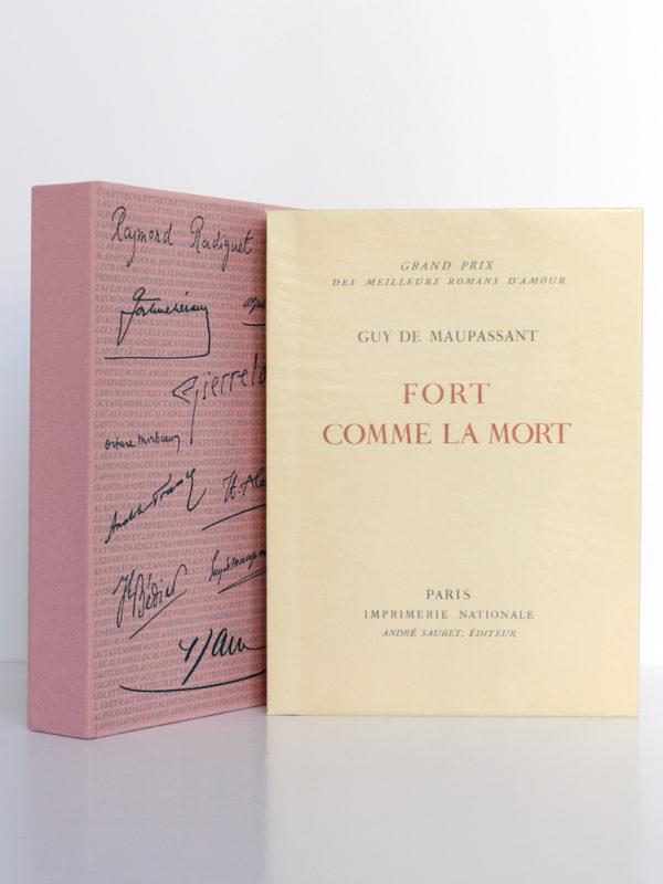 Fort comme la mort, Guy de Maupassant. Imprimerie Nationale, André Sauret éditeur, 1958. Livre et étui.