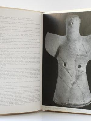 """L'Art en Mésopotamie, Christian Zervos. Éditions """"Cahiers d'Art"""", 1935. Pages intérieures."""