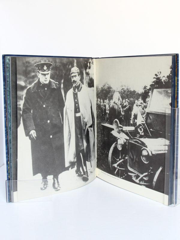 Churchill The Walk with Destiny. Hutchinson, 1959. Relié. Pages intérieures 1.