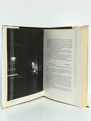 Enchantements sur Paris, Jacques Yonnet. Éditions Denoël, 1966. Pages intérieures 1.