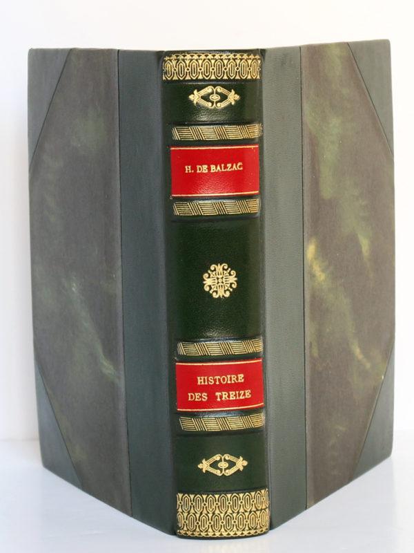 Histoire des Treize, Honoré de BALZAC. Dessins de GastonBARRET. Éditions Albert Guillot, 1949. Reliure : dos et plats.