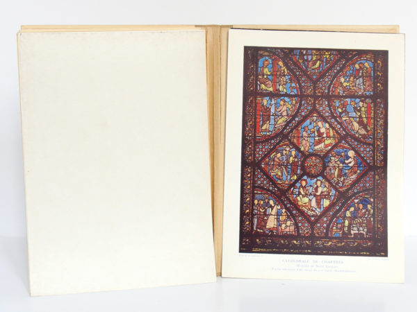 Monographie de la cathédrale de Chartres, Étienne HOUVET. Sans date [après 1939]. Pages intérieures 4.