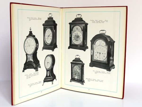 The Wetherfield Collection of 222 Clocks sold by W. E. Hurcomb on 1st May 1928. Deuxième édition, Hurcomb, 1929. Pages intérieures 2.