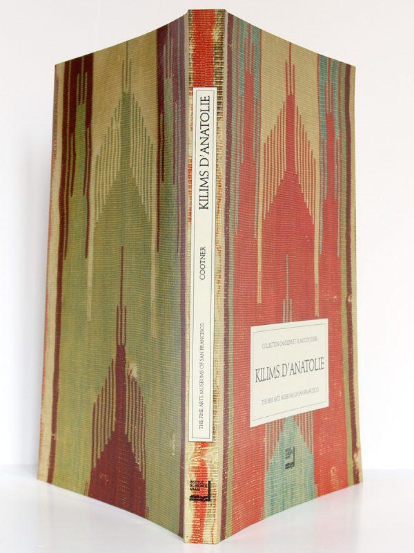 Kilims d'Anatolie, Cathryn C. Cootner. Institut du Monde Arabe 1991. Couverture : plats et dos.