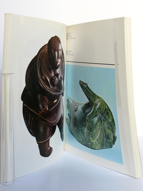 Sculpture of the Eskimo, George Swinton. McClelland and Stewart, 1987. Pages intérieures 1.
