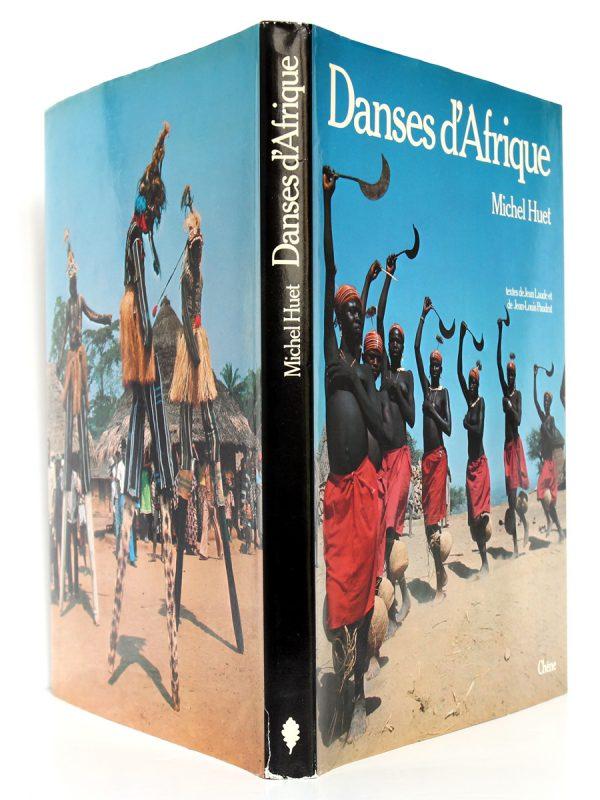 Danses d'Afrique Michel Huet. Chêne 1978. Couverture : plats et dos.