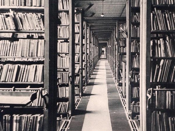 Galerie de livres, Bibliothèque nationale, 20e siècle.