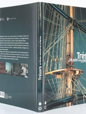 Trésors du Musée national de la Marine. Éditions de la Réunion des musées nationaux, 2006. Couverture : dos et plats.