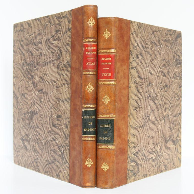 La Guerre de 1914-1918. Cours d'histoire. Colonel DUFFOUR. École supérieure de guerre, 1923. 2 volumes. Reliures : dos et plats.