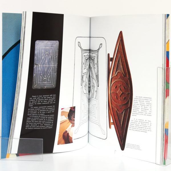Guyane L'Art Businengé, par Patrice DOAT, Daniel SCHNEEGANS, Guy SCHNEEGANS. Craterre Éditions, 1999. Page intérieure.