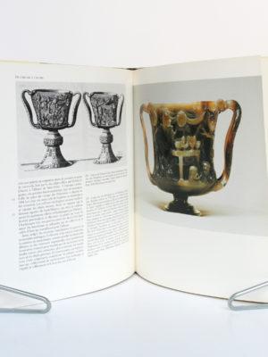 Sur les Routes de la soie, Cécile Beurdeley. Seuil-Office du livre, 1985. Relié. Pages intérieures.
