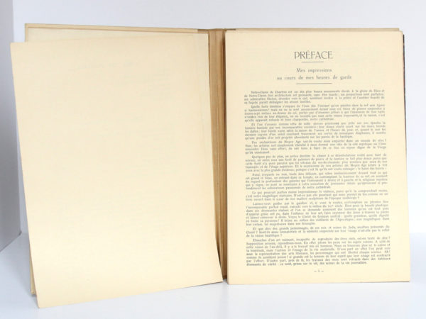 Monographie de la cathédrale de Chartres, Étienne HOUVET. Sans date [après 1939]. Pages intérieures 1.