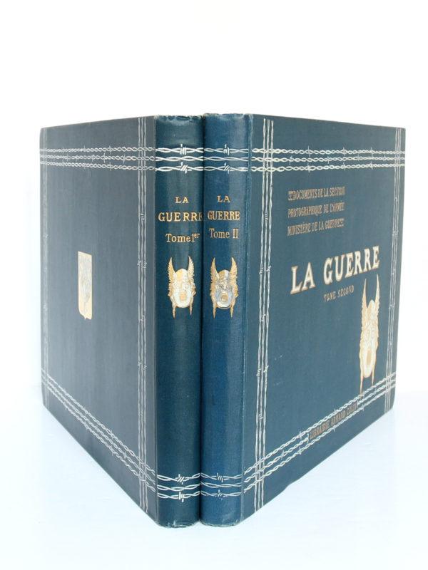 La Guerre. Documents de la section photographique de l'armée. 2 volumes. 1916. Reliures : dos et plats.