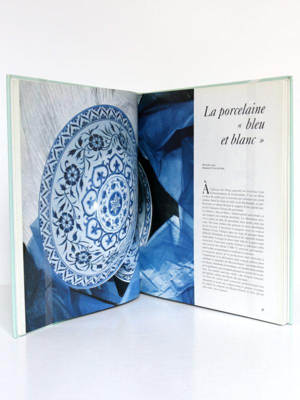 Décor sur porcelaine, Dony Karandjoulov-Alexiev. Armand Colin, 1994. Pages intérieures 1.