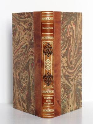 Pensées pour moi-même, Marc-Aurèle. Librairie Garnier Frères, sans date [vers 1951]. Reliure : dos et plats.