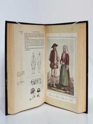 Le costume breton, René-Yves Creston. Tchou Éditeur, 1978. Pages intérieures.