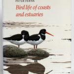 Birds life of coasts and estuaries, Peter Ferns. Cambridge University Press, 1992. Couverture.