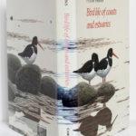 Birds life of coasts and estuaries, Peter Ferns. Cambridge University Press, 1992. Jaquette.