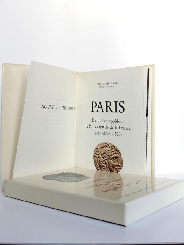 De Lutèce oppidum à Paris capitale de la France (vers -225? - 500), Paul-Marie Duval. Bibliothèque historique de la Ville de Paris, 1993. Page titre.