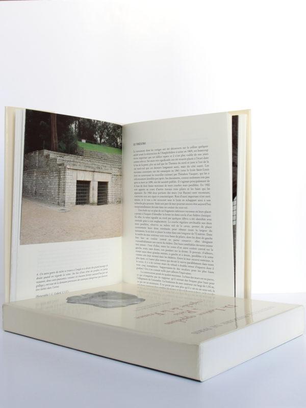 De Lutèce oppidum à Paris capitale de la France (vers -225? - 500), Paul-Marie Duval. Bibliothèque historique de la Ville de Paris, 1993. Pages intérieures 1.