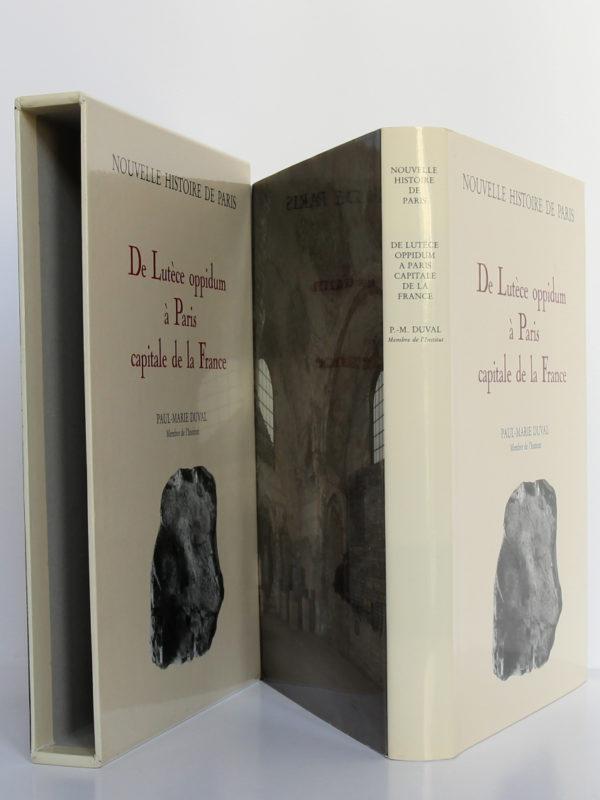De Lutèce oppidum à Paris capitale de la France (vers -225? - 500), Paul-Marie Duval. Bibliothèque historique de la Ville de Paris, 1993. Jaquette du livre et étui.