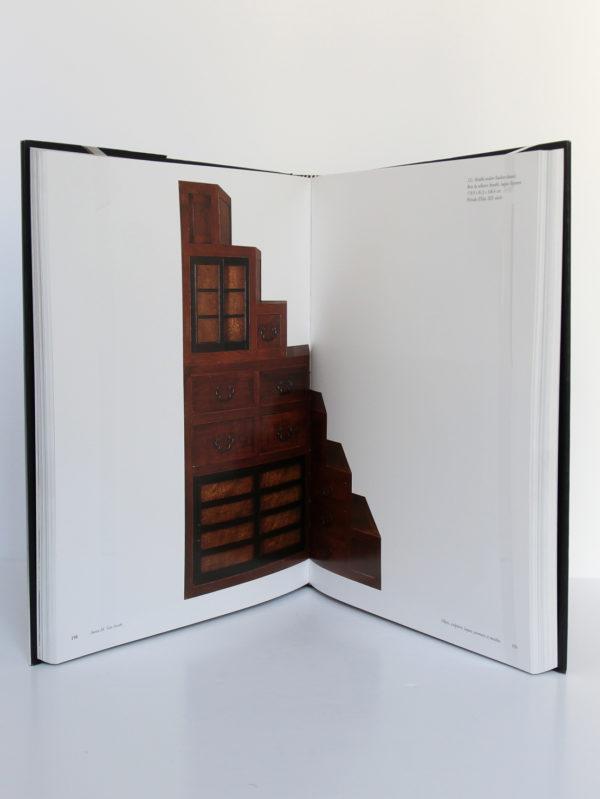 Beauté éternelle. L'art traditionnel japonais dans la collection Montgomery. Skira/Seuil, 2002. Pages intérieures 2.