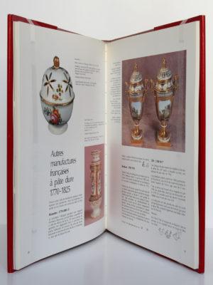 Trois siècles de porcelaine de Paris, Michel Bloit. Éditions Hervas, 1988. Pages intérieures 1.